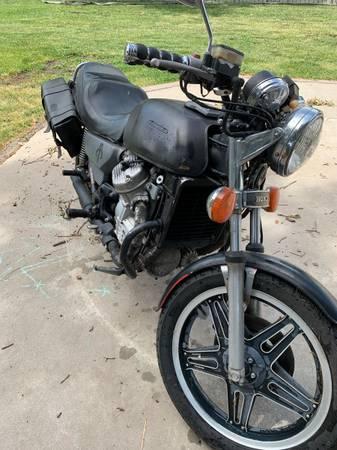 Photo 1980 Honda cx500 - $500 (Hershey)