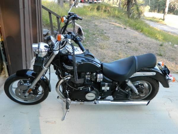 Photo 2006 Triumph Speedmaster 850 - $3,500 (Rapid city, SD)