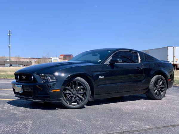 Photo 2013 Ford Mustang GT - $21,500 (Rapid City)