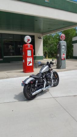 Photo 2015 Harley Davidson 883 iron - $6,750 (Chamberlain)