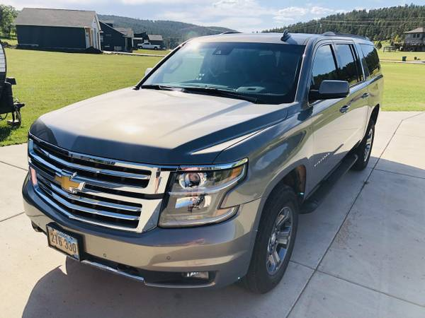 Photo 2019 Chevy Suburban LT Z71 - $45000 (Rapid City)