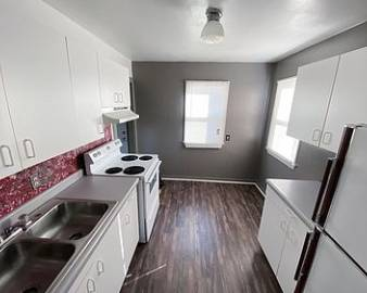 Photo 2 bedroom 1 bathroom home for rent close to downtown, hospital, and SD (Rapid City)