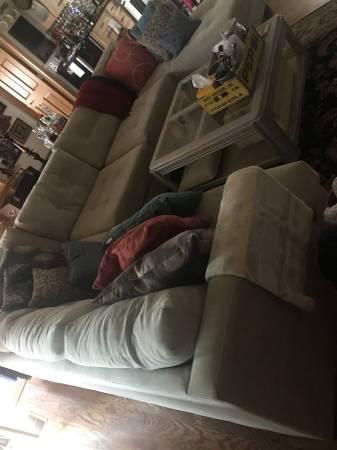 Photo 3 piece sectional sofa - $1,000 (rapid city sd)