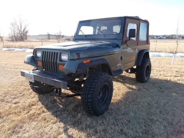 Photo 95 Jeep Wrangler Sport, 6cyl. 5 speed, Rust free body - $5,750 (Rapid City)