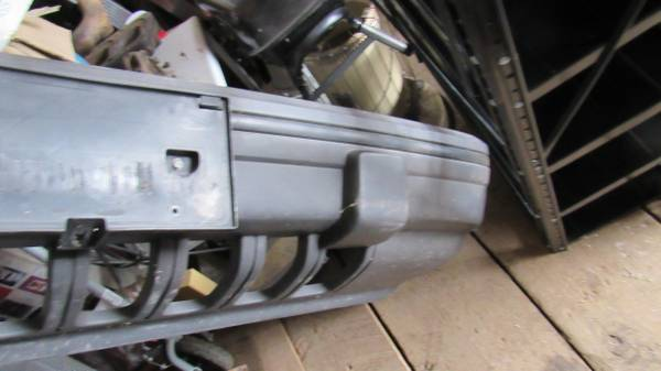 Photo Front Bumper Cover For 1993-1995 Jeep Grand Cherokee - $40 (RAPID CITY)