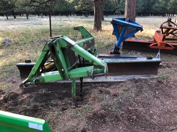 Photo John Deere 10ft. Hydraulic Blade - $2,250 (Rapid City)