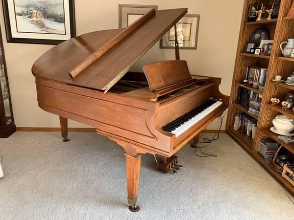 Photo Kimball Grand Piano - $5,000 (Rapid City, SD)