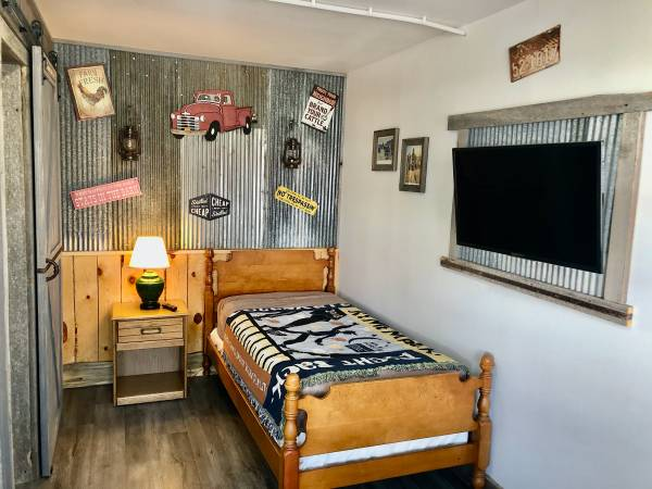 Photo Remodeled Furnished Apartment (Rapid City SD)