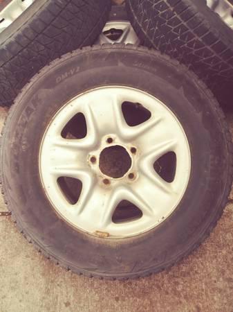 Photo Toyota Tundra Wheels - $100 (Rapid City)