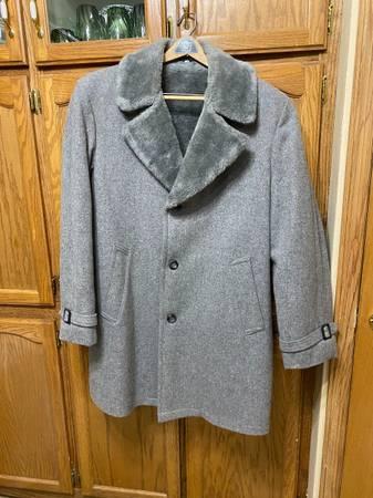 Photo Winter coats - $25 (Rapid city south)