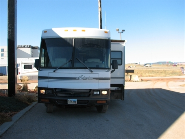 Photo 2000 Winnebago ADVENTURER M-37G $ 24995  Make an Offer