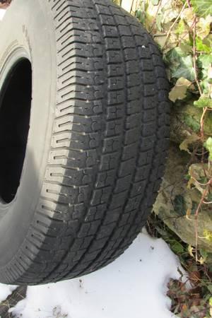 15quot 31X10.50R15LT Tire - $40 (Boyertown 19512)