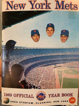 Photo 1969 New York Mets Official Yearbook - $45 (Newmanstown)