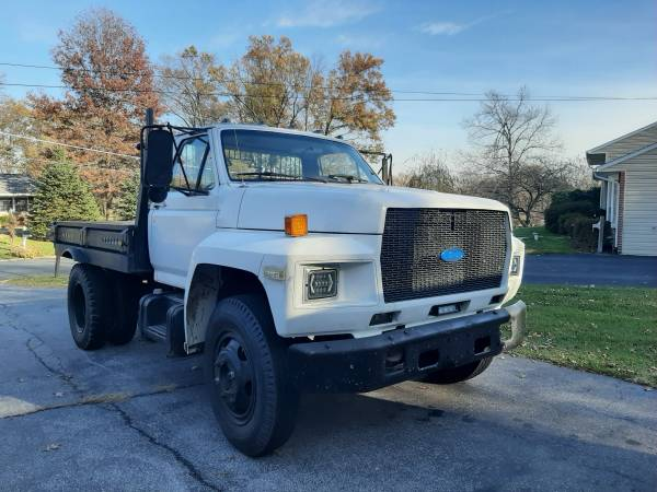 Photo 1988 Ford f600 - $5,500