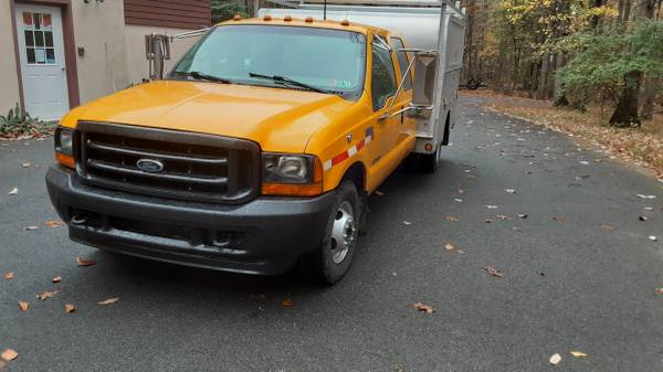 Photo 2001 Ford F-350 SD Crew Cab 7.3 Diesel 9 Ft Utility Truck $11995 - $11,995 (Bethel)