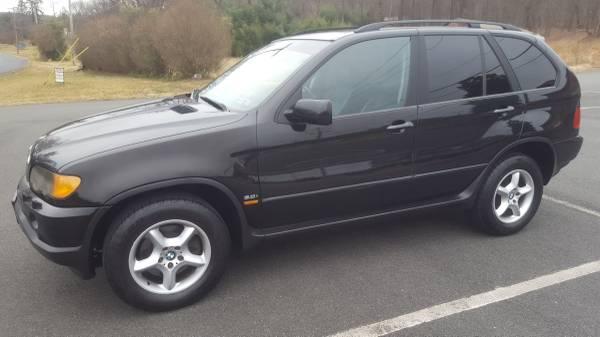 Photo 2003 BMW X5 3.0i AWD W DVD SYSTEM PRICE REDUCED - $3750 (Reading Area)