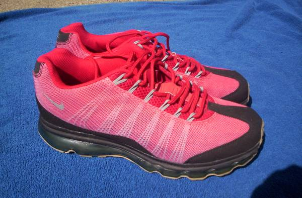 Photo 2012 Red Nike Air Max Size 11.5 - Like New - $50 (Port Carbon)