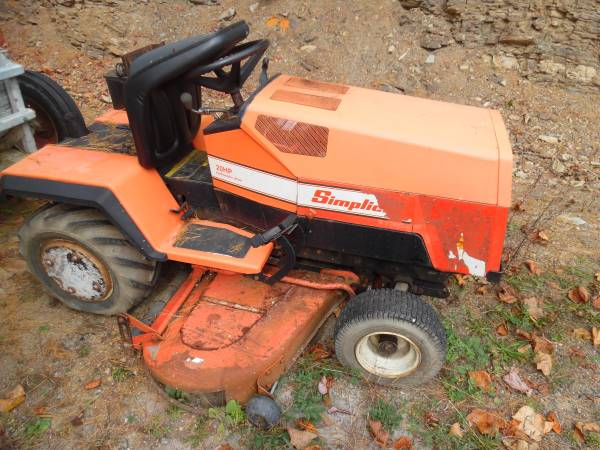 Photo 20 HP Simplicity Tractor - $400 (POTTSVILLE)