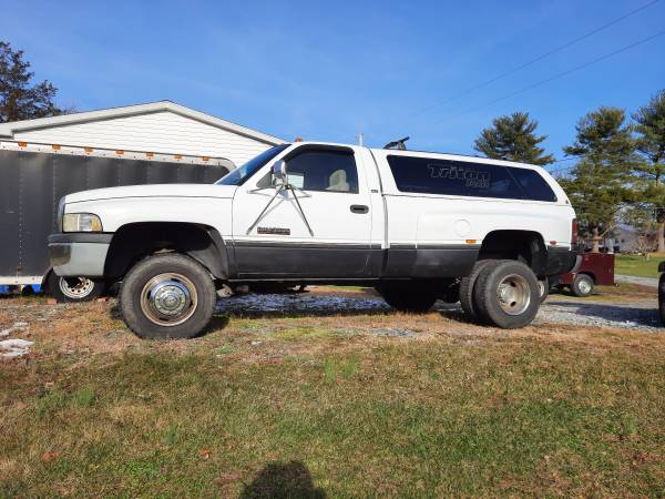 Photo 97 dodge ram 4 WD 3500 - $15,000 (Birdsboro)