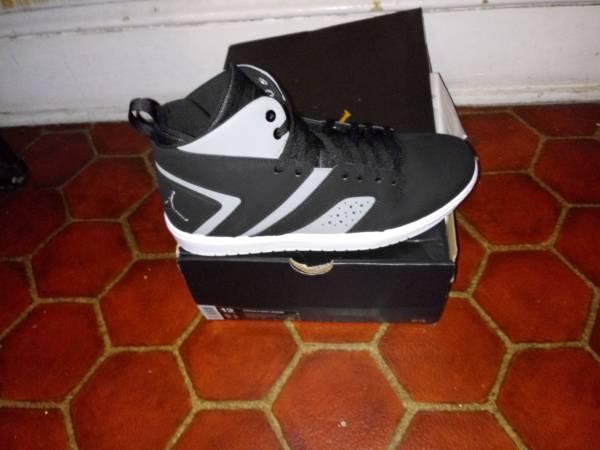 Photo Brand new jordan sneaker - $80 (Reading)