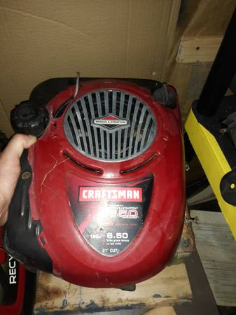 Photo Briggs 6.50 series 190cc engine parts. Let me know what you need and I - $25 (Reading,Pa)