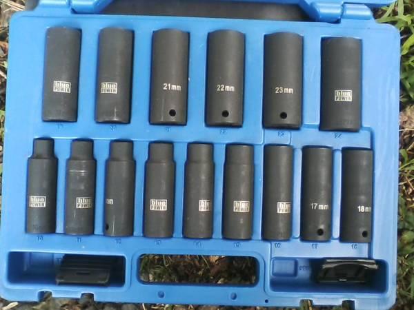 Photo Cornwell Metric 12 drive Deep Impact Socket Set - $250 (pottsville)