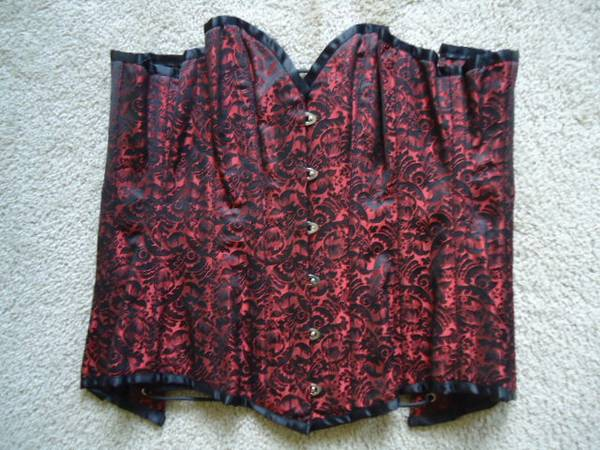 Photo Fiona39s Fineries Size 26 Red and Black Corset - Renaissance Fair - $30 (Reading)