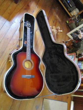 Photo Greg Bennett Acoustic - $100 (Blandon)