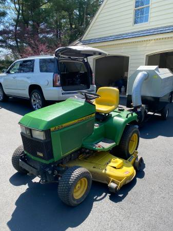 Photo John Deere 425 Tractor  Trac Vac - $2195 (Malvern Pa)