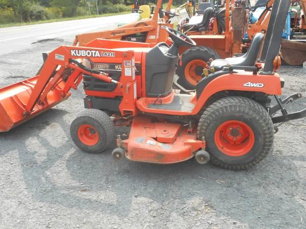 Photo Kubota BX1800  B7200 Tractor and John Deere 2210 wLoader (schuylkill Haven)