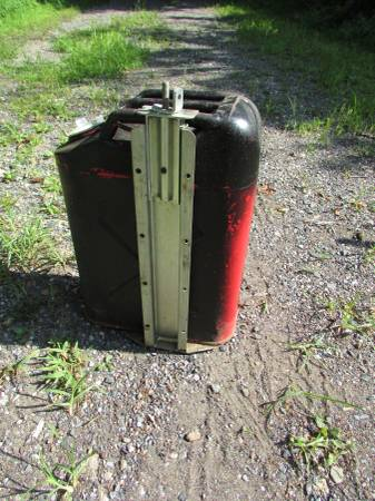 Photo Military Gas Can Jeep - $50 (Boyertown 19512)