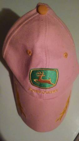 Photo NEW Pink John Deere Hat - $8 (Shillington Area)