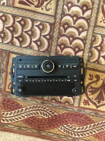 Photo Original 2011 Chevy Traverse Head unit - $100 (Reading)