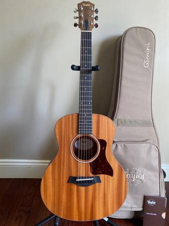 Photo Taylor GS Mini Acoustic Guitar - $450