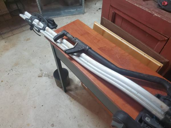 Photo Thule bike rack - $100