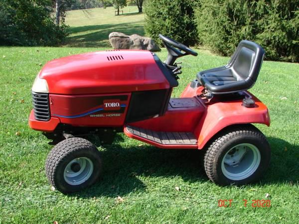 Photo Toro Wheel Horse 518XI ,42quotrear dis. mower - $895 (MOHNTON)