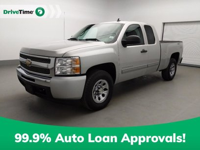 Photo Used 2010 Chevrolet Silverado 1500 4x4 Extended Cab LS for sale