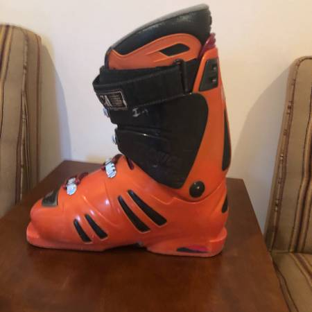 Photo Used Tecnica ICON Downhill ski Boots 26.5 - $49 (Reading)