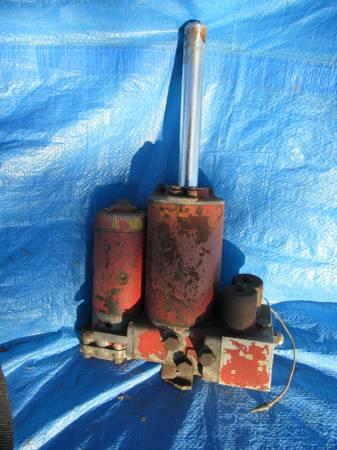 Photo Western Snow Plow Pump - $150 (Pine Grove)