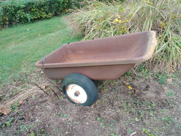 Photo Wheel Horse Dump Cart for garden tractor - $60 (Wyomissing)