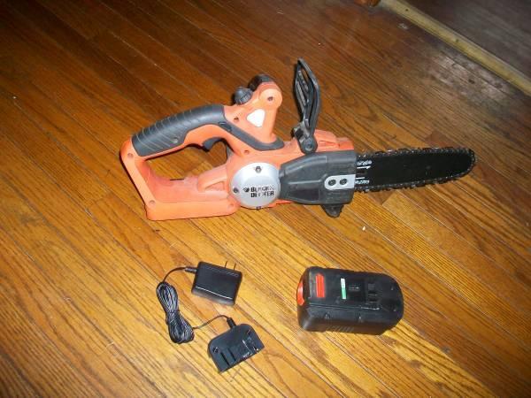 Photo black and decker chain saw 18 volt - $30 (POTTSVILLE)