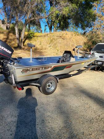 Photo 2005 skeeter bass boat with 75 hp evinrude e tech - $6,800 (Redding)