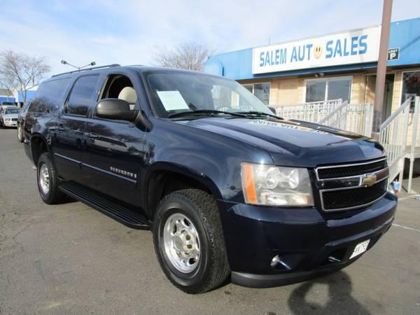 Photo 2007 Chevrolet Suburban 2500 XL - LOW MILEAGE - 7 SEATER - GREAT FAMILY SUV - $14,988 (2007 Chevrolet Suburban 2500 XL - LOW MIL)