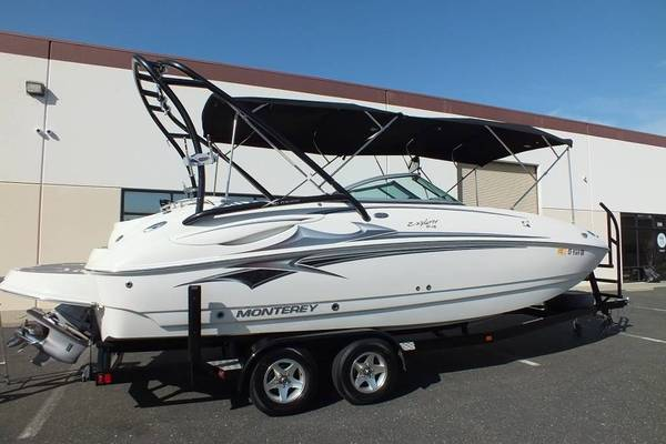 Photo 2007 Monterey 243 Explorer deck boat - $37,000
