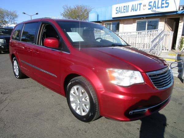 Photo 2014 Chrysler Town  Country - STOW N39 GO - REAR CAMERA - DVD ENTER - $8988 (2014 Chrysler Town  Country - STOW N)