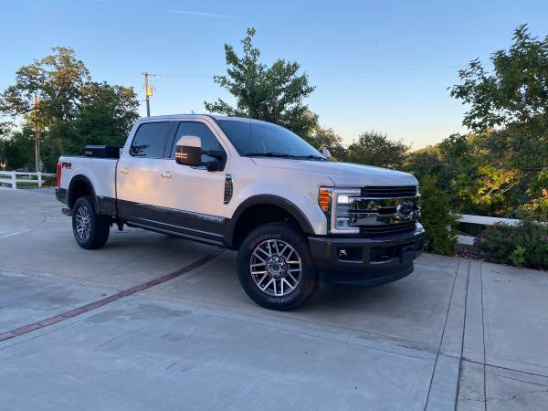 Photo 2017 Ford F250 Super Duty King Ranch - $58900 (Red Bluff)