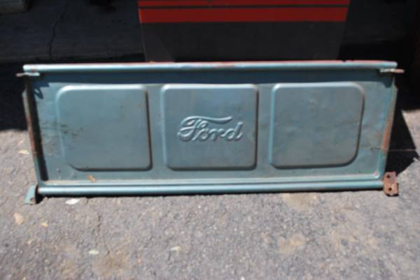Photo 3 tailgate old 2 ford...1 chevy - $100 (redding)