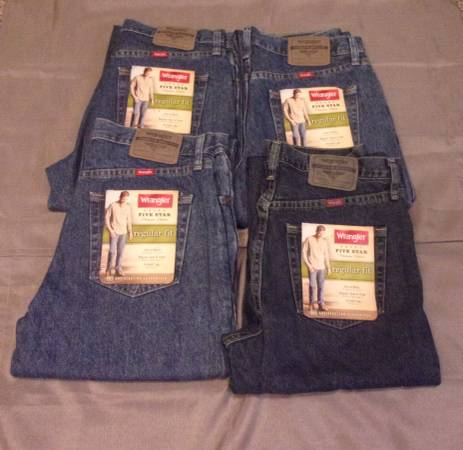Photo 4 Pair Wrangler Jeans 31x32 New Labels Attached - $40 (Redding)