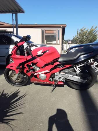 Photo 98 Honda Cbr 600 F3 low miles - $3,800 (Arcata)