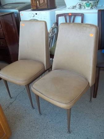 Photo Dining chairs vinyl upholstered retro - $10 (Red Bluff)